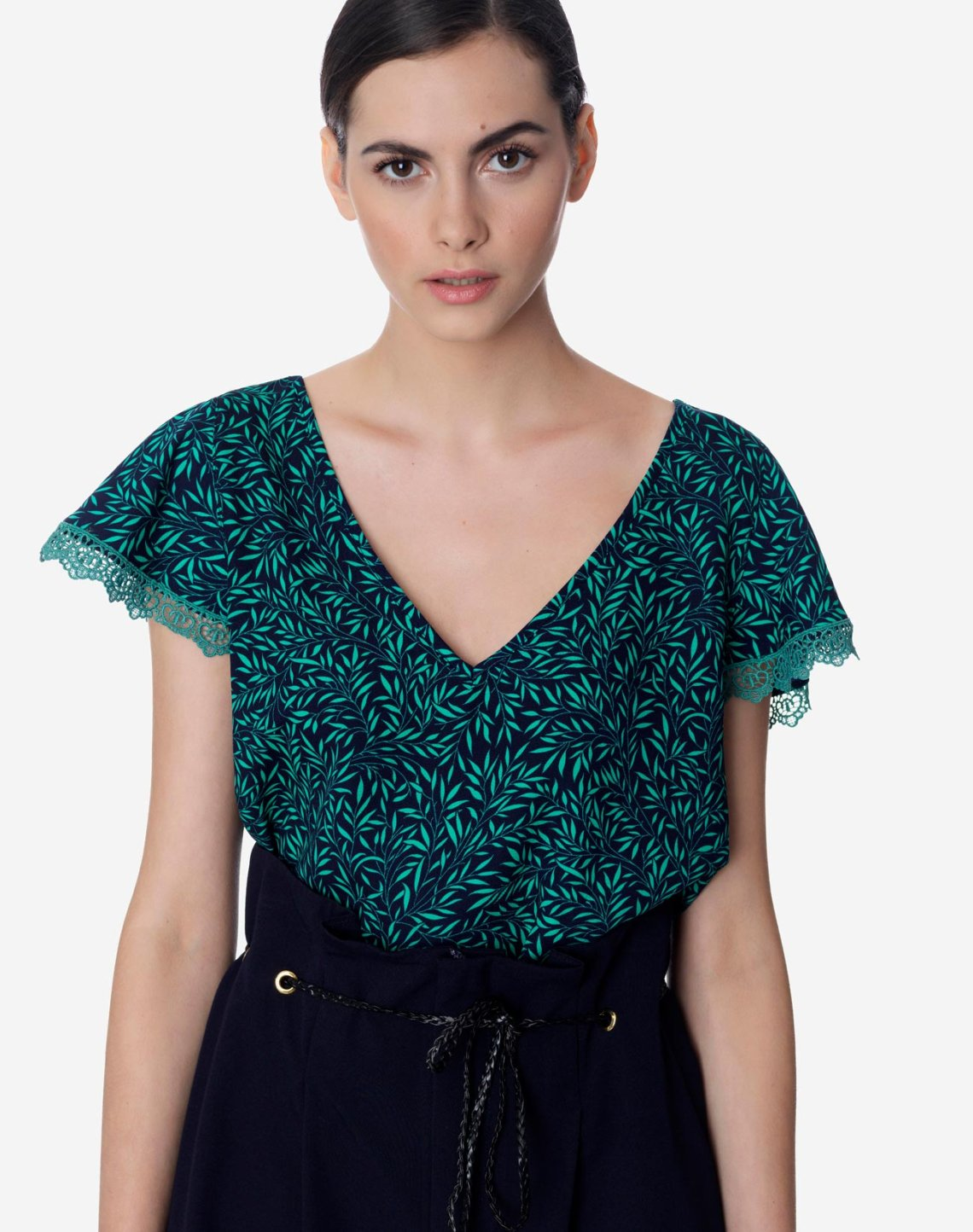 Printed top with lace