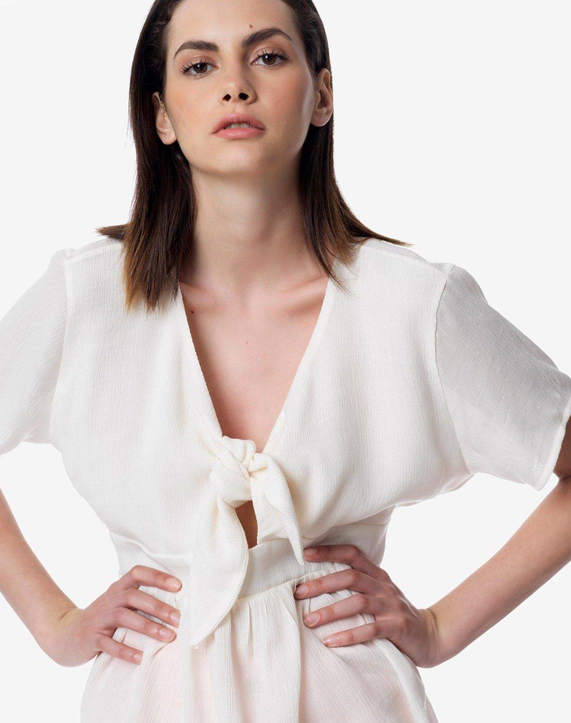 Μπλούζα με κόμπο