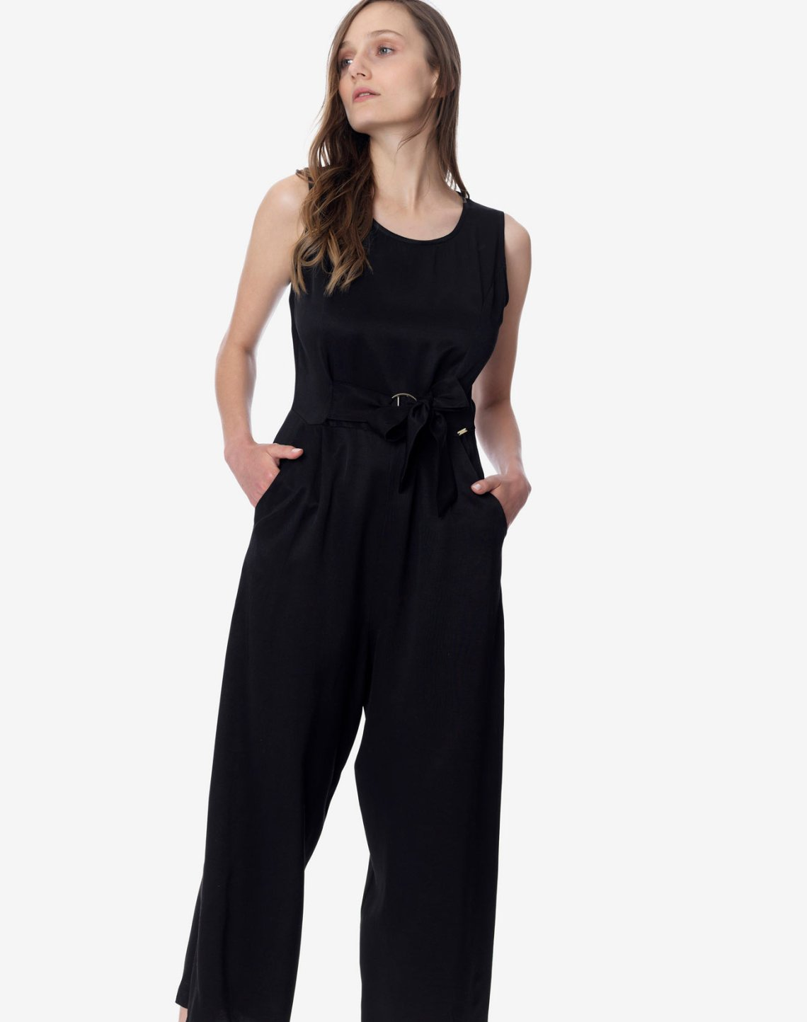 Jumpsuit with tie
