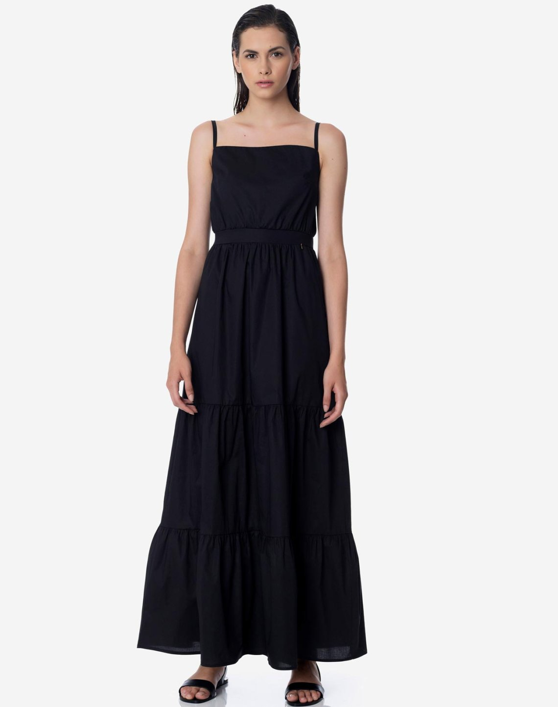 Maxi dress with straps