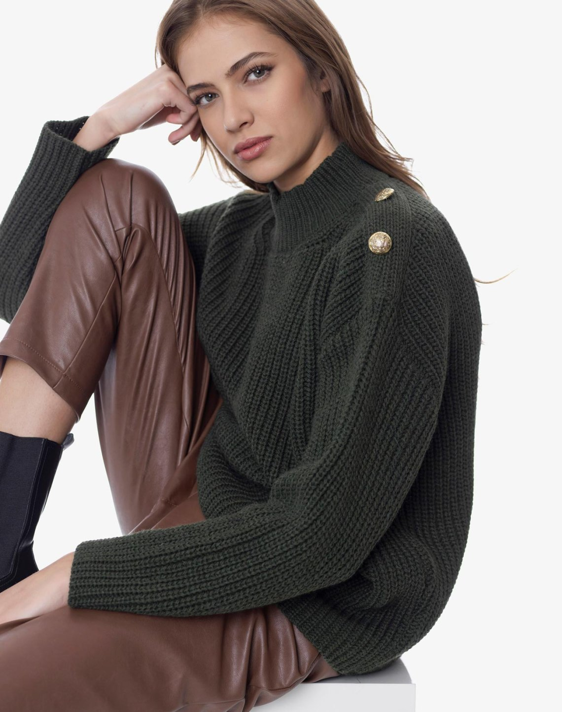Knit top with buttons