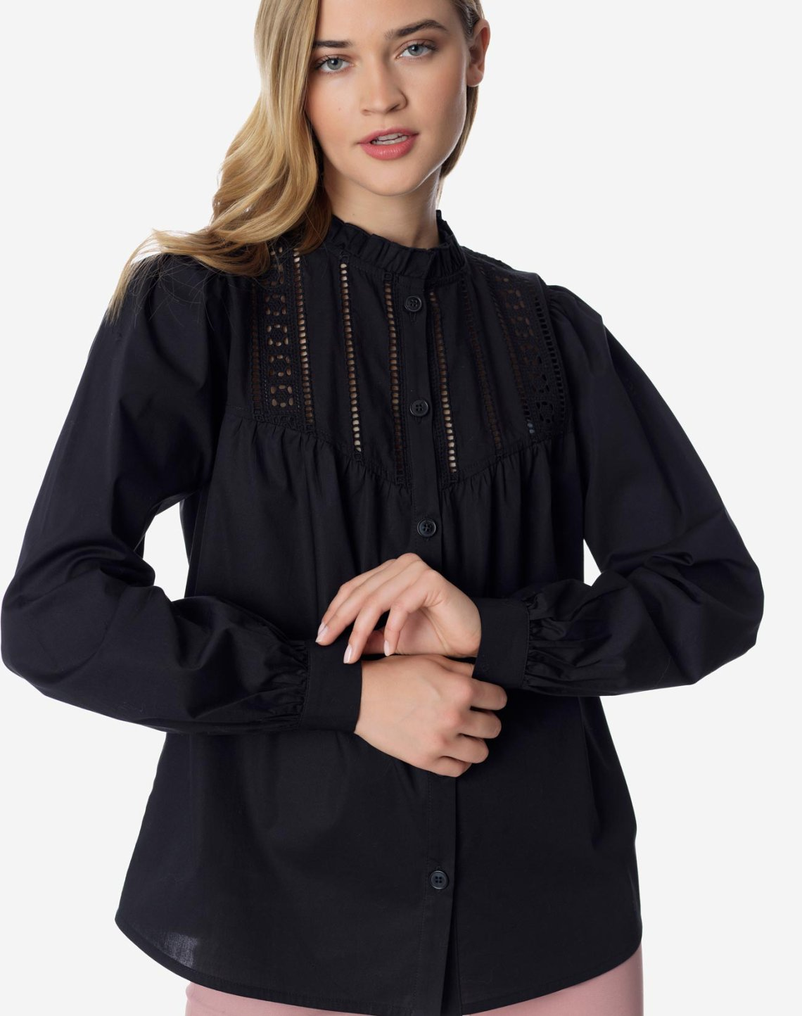 Shirt with detail broderie