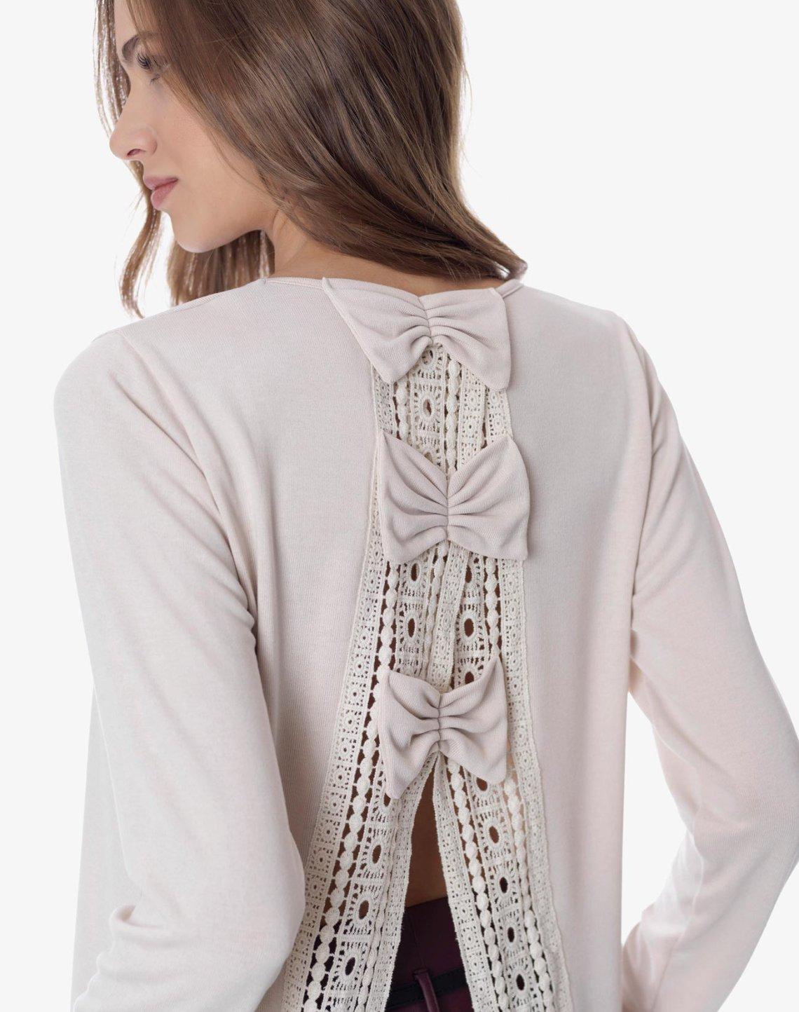 Μπλούζα με φιόγκους και δαντελα
