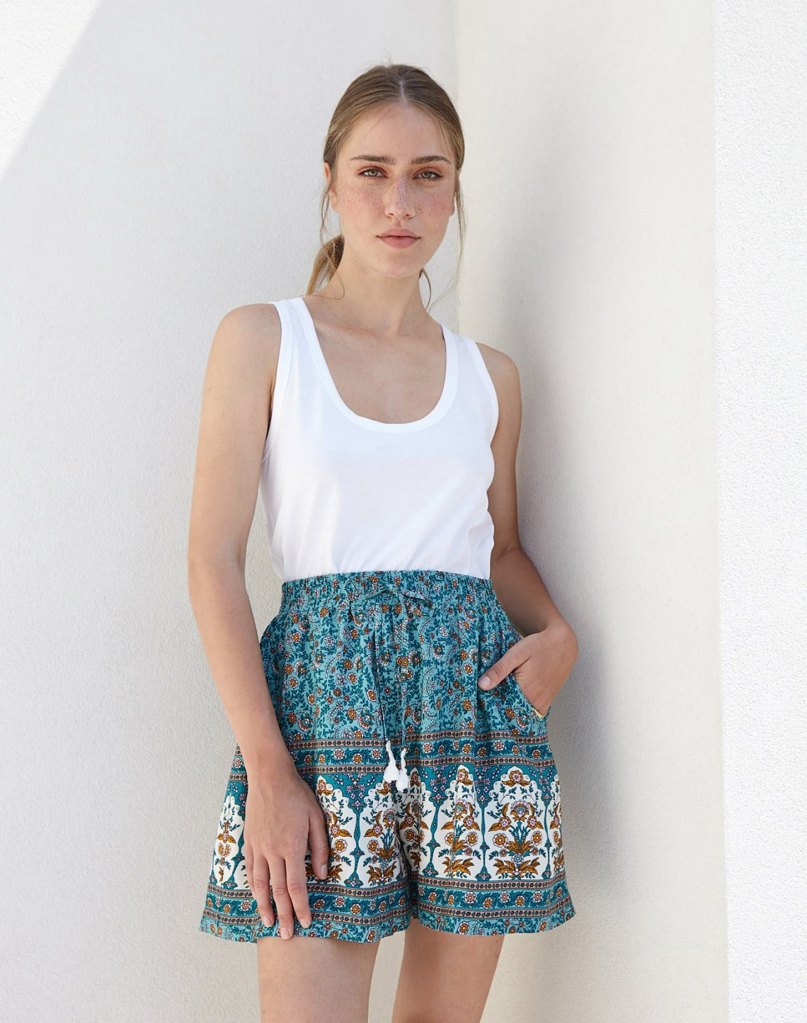 Printed shorts with elastic waist