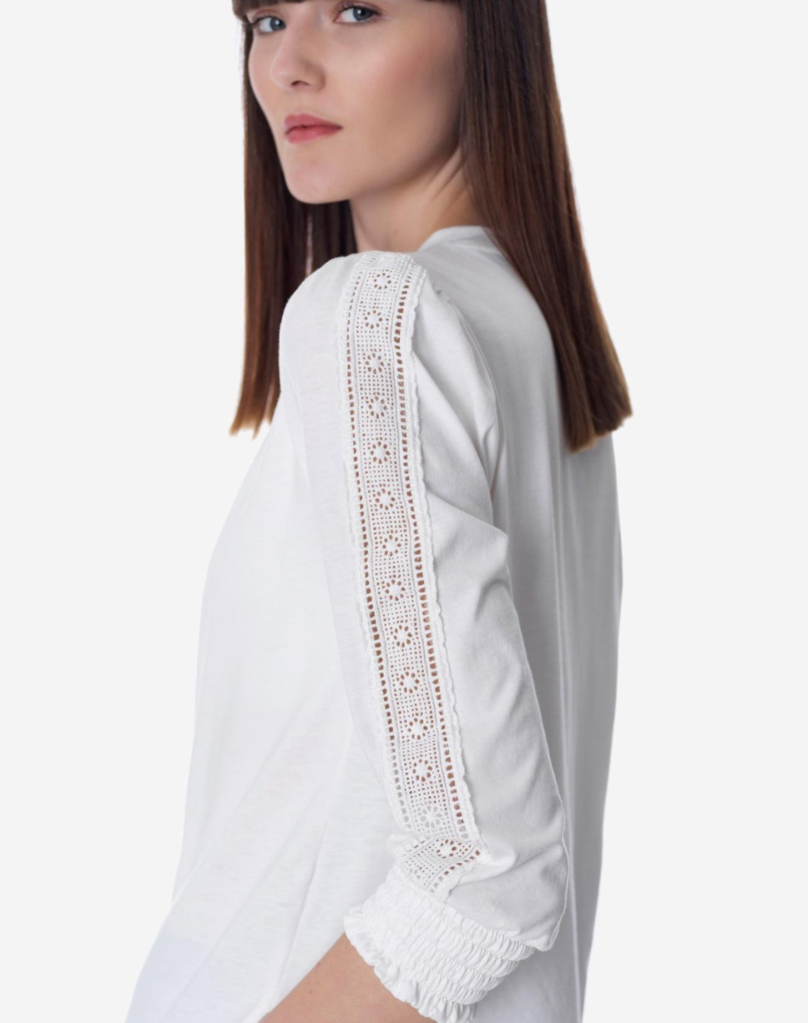 Organic cotton top with lace