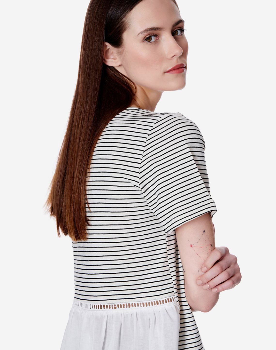 Striped top in contrast