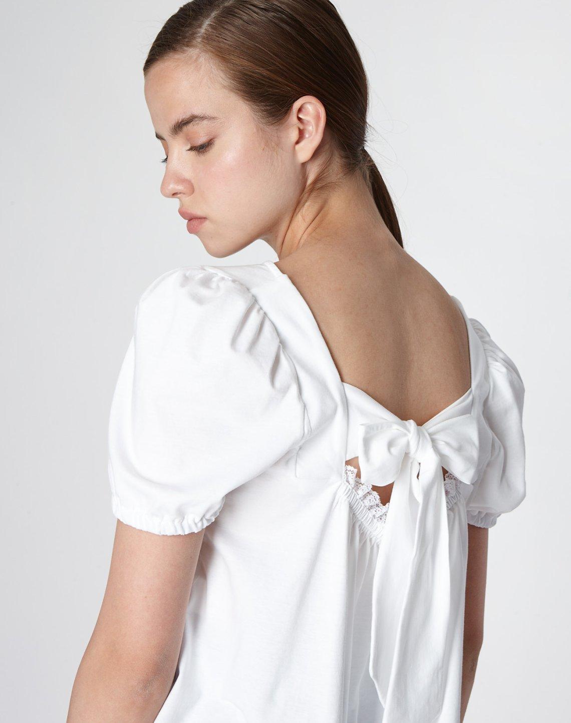 Μπλούζα με φιόγκο και δαντέλα