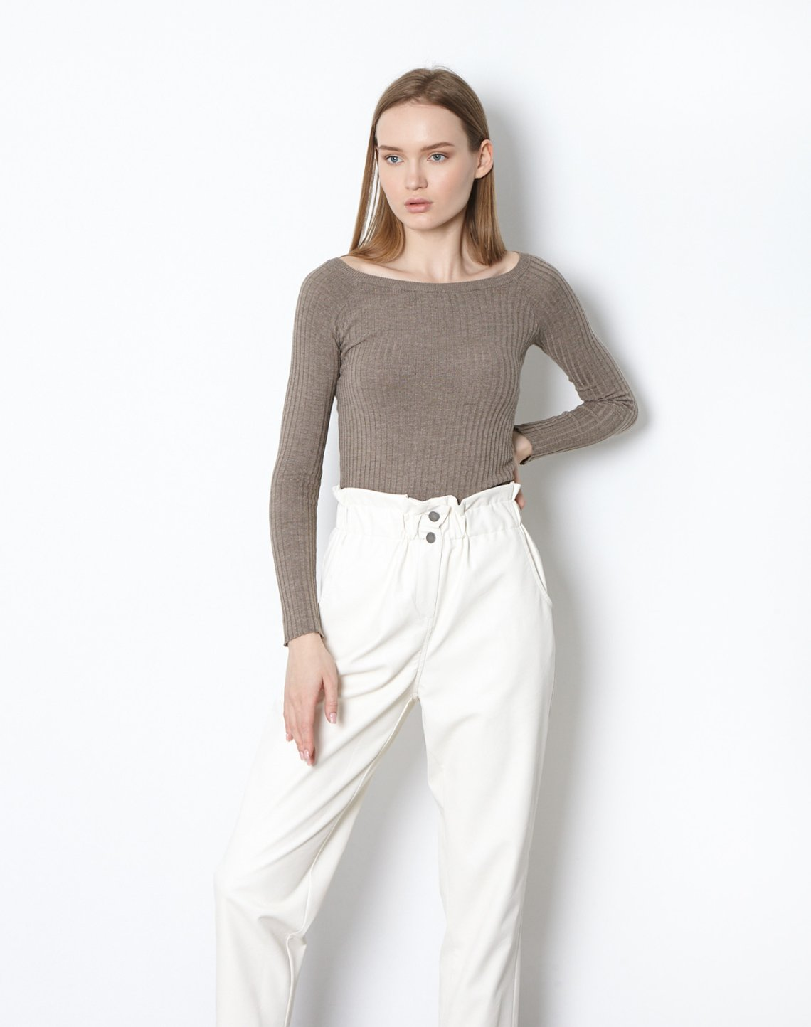 Baggy faux leather trousers